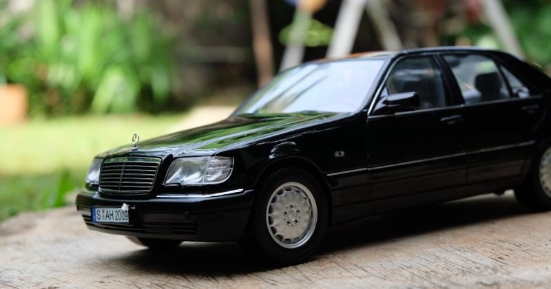 Review: Mercedes-Benz S600 W140 by Norev